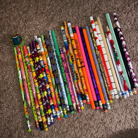 ✏️ Pencils (x32) ✏️